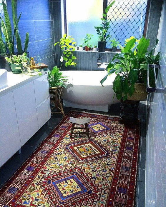 kilim in bathroom