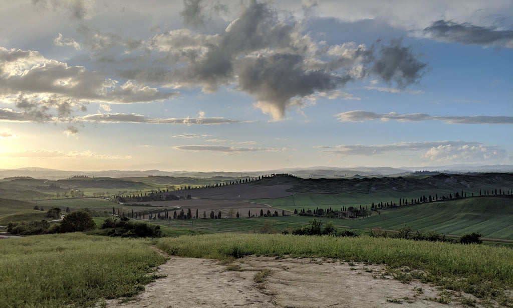 tuscany-hilltop-late-afternoon