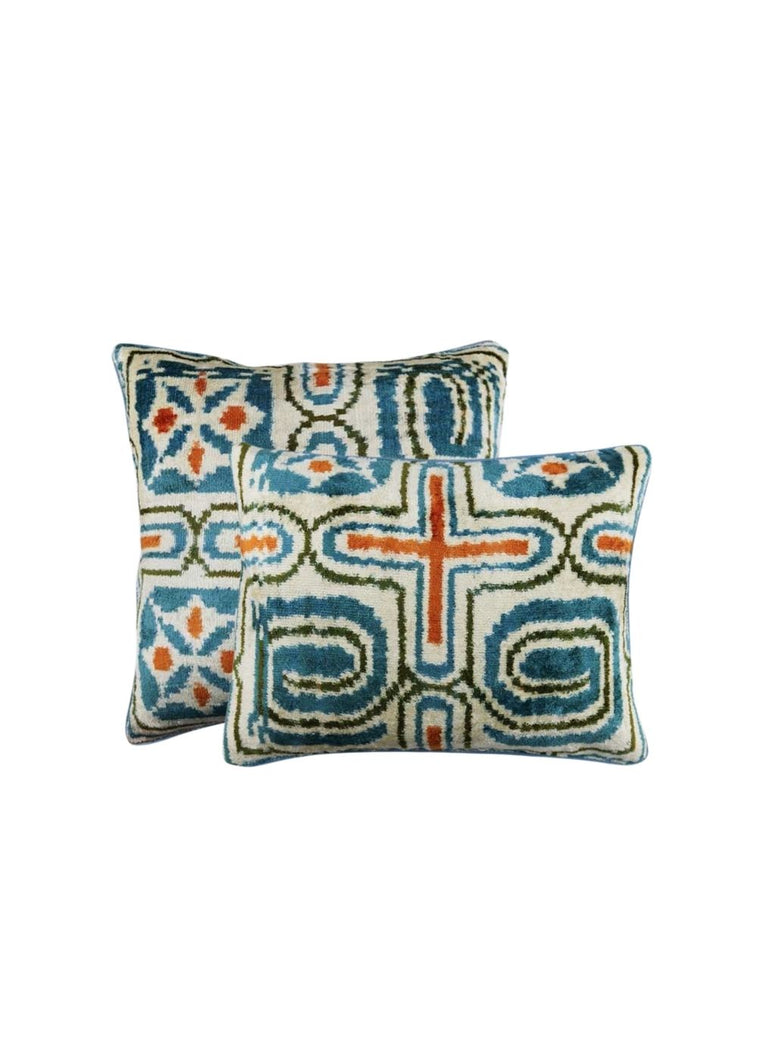 Load image into Gallery viewer, goldie-pillows-both-sizes-combined-ZVPL-1902