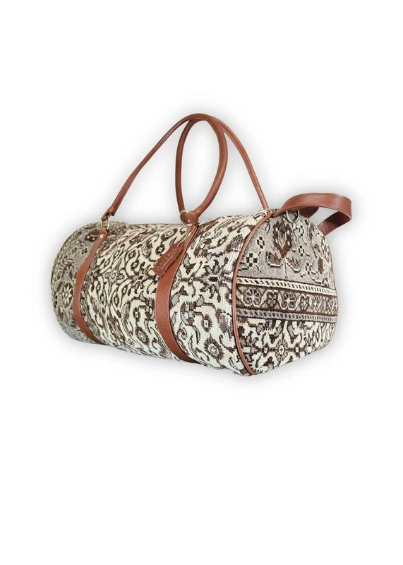 Load image into Gallery viewer, Accessories - Carpet Travel Duffle