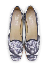 Load image into Gallery viewer, Archived Women's - Sample Size 36 (US 6-6.5) Silk Loafers