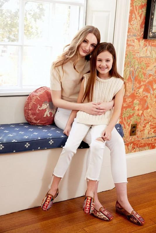 Load image into Gallery viewer, mother-and-daughter-wearing-sumak-kilim-loafers