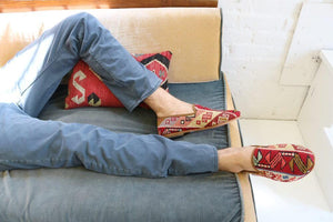 mens-sumak-loafers-on-sofa