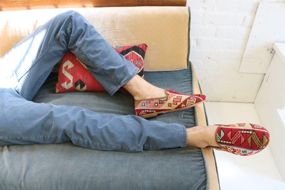 Load image into Gallery viewer, mens-sumak-loafers-on-sofa