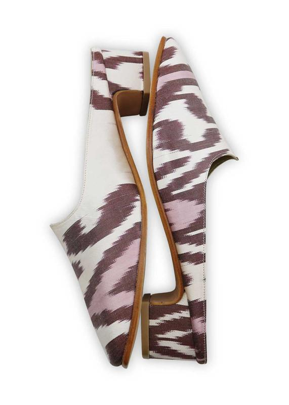Load image into Gallery viewer, Women's Shoes - Charlotte Moss For Artemis - Silk Ikat Moss Mules, Size 40