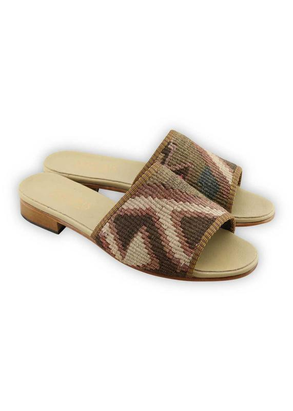 Load image into Gallery viewer, Women's Shoes - Women's Kilim Sandals - Size 40