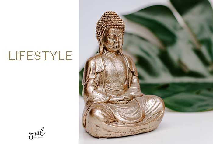 free styled stock photography, free blog photos, lifestyle blog photos, gold themed blog photos, minimal stock images