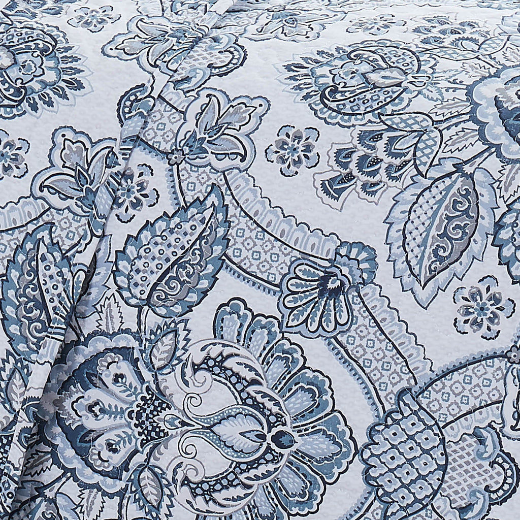 bluebell paisley quilt set in blue