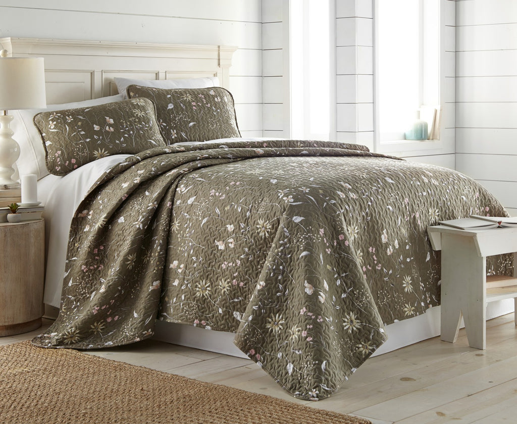 Floating Daydream Reversible Quilt Sets