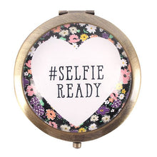 Selfie ready compact mirror