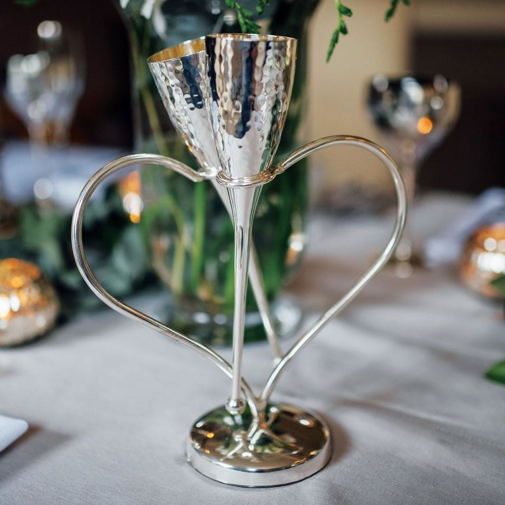 Champagne Flutes on Heart Stand