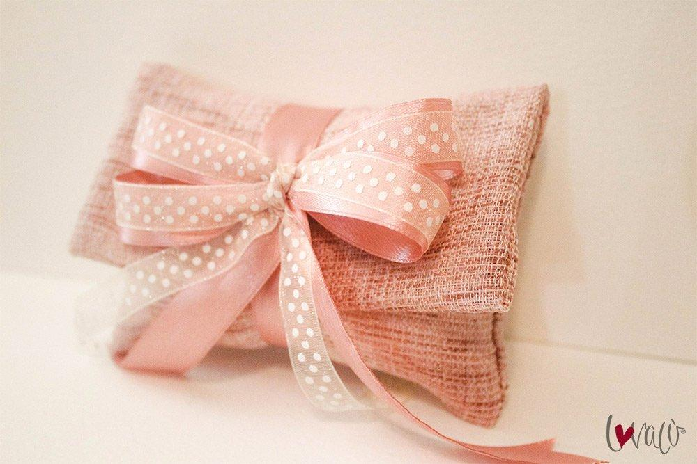 Pink wedding Favors Bag for guests with italian confetti - LovaluDesign