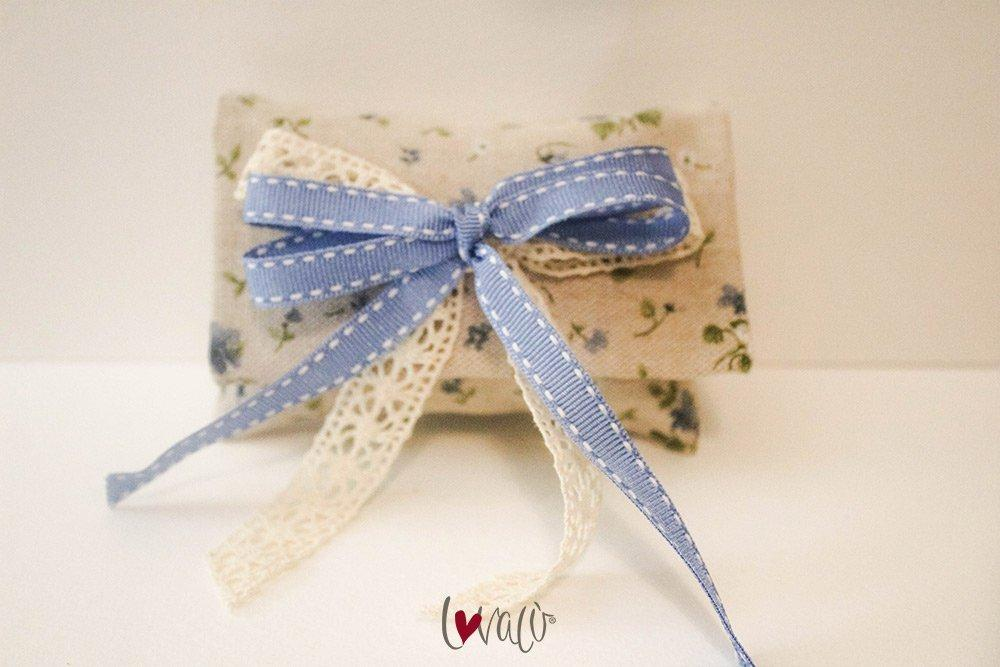 Shabby wedding Favors Bag for guests blue flowers with italian confetti - LovaluDesign