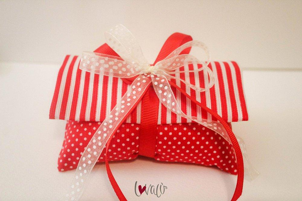 Sweet Red & White Wedding Favors Bag with italian confetti - LovaluDesign