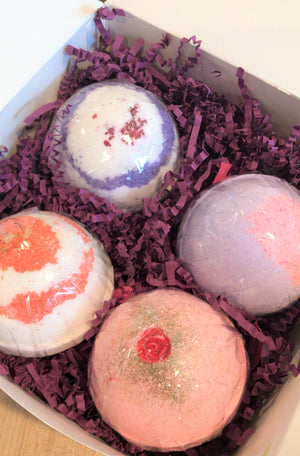 Set of 4 Bath Bombs Gift Box #1 - Bubbly Soaps Gift Box