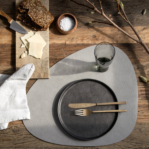 Hippo Leather Curve Tableware - Lt.Grey