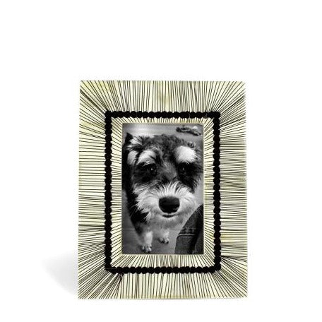Radiant B/W Inlay Photo Frame | JF Reborn