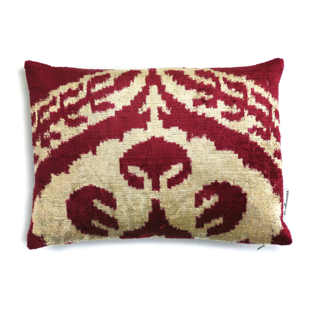 Ram Silk Velvet Pillow | Les Ottomans