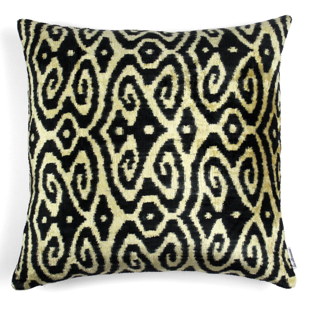 Velvet Cushion N. 045 Creme Black | Les ottomans