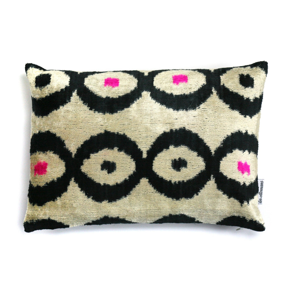 Silk Velvet Cushion N. 205 Creme & Black | Les Ottomans
