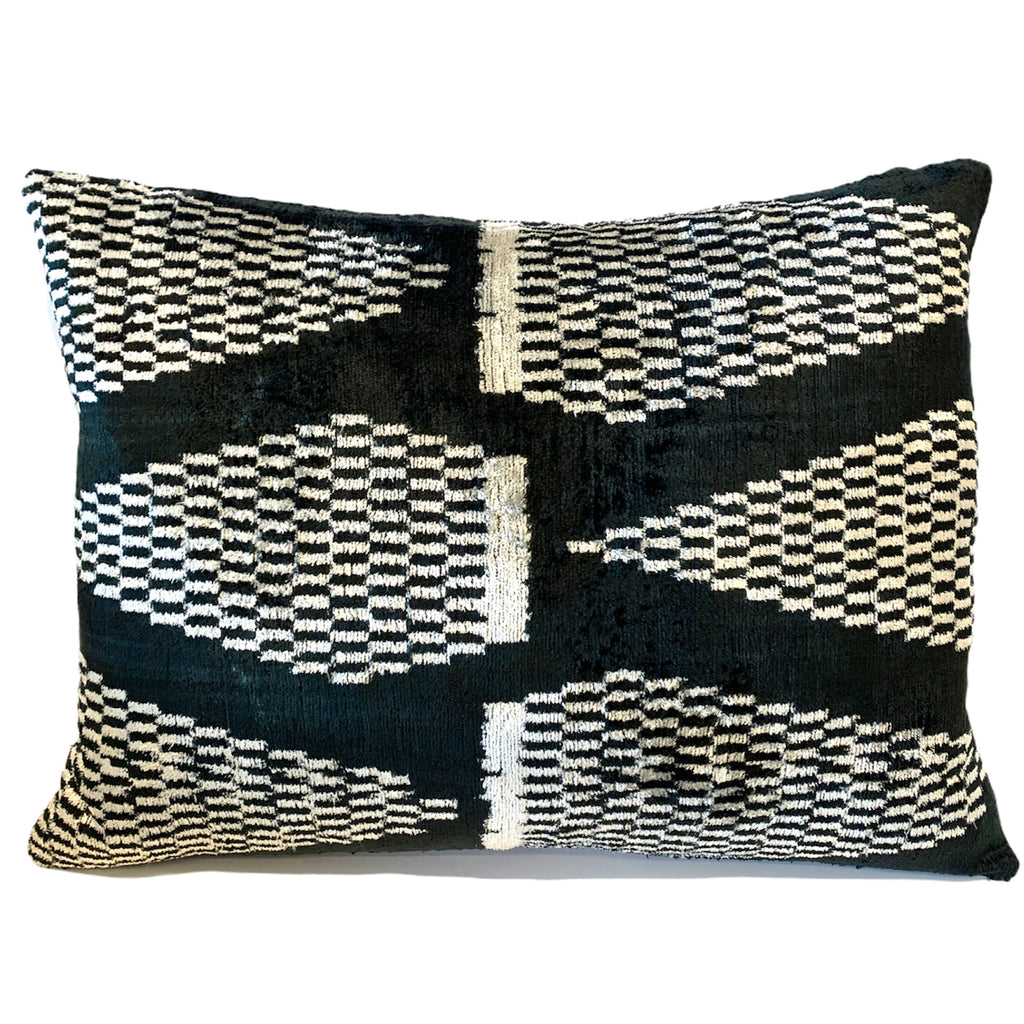 Silk Velvet Cushion N. 484 - Black/White