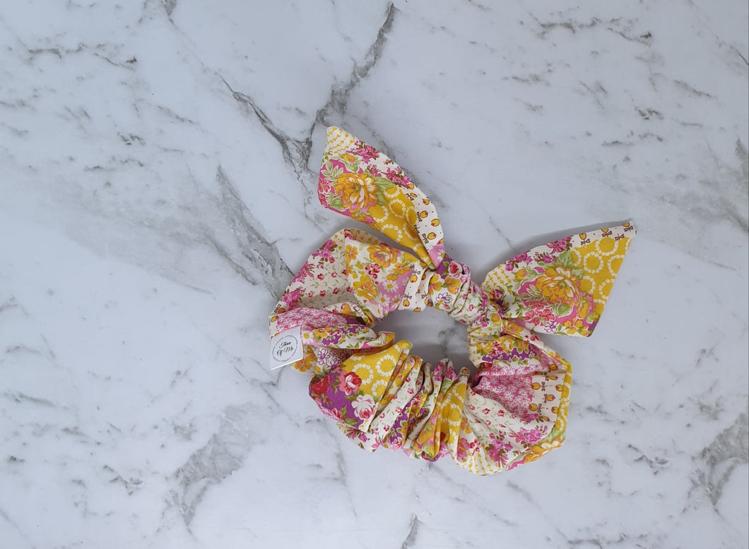 Dolorise Bow Scrunchie Pink/Yellow