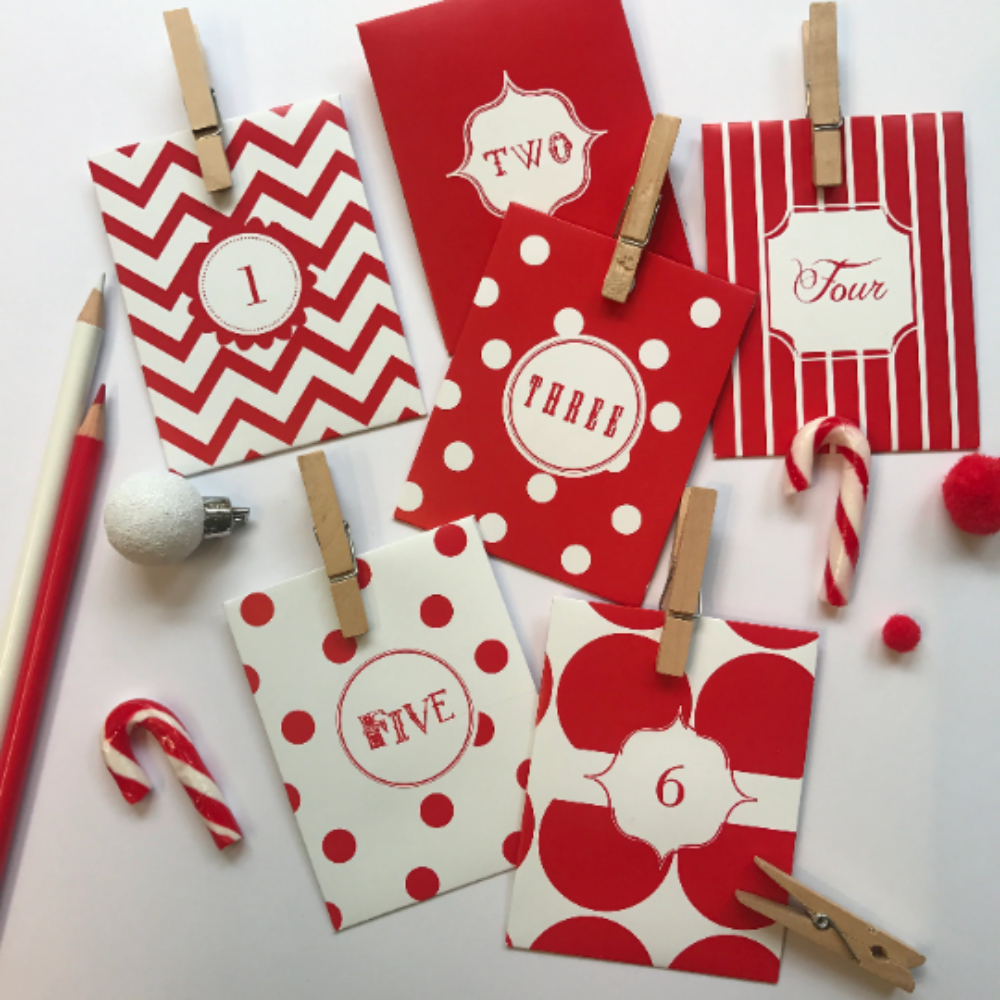 Advent Calendar Red & White with pegs