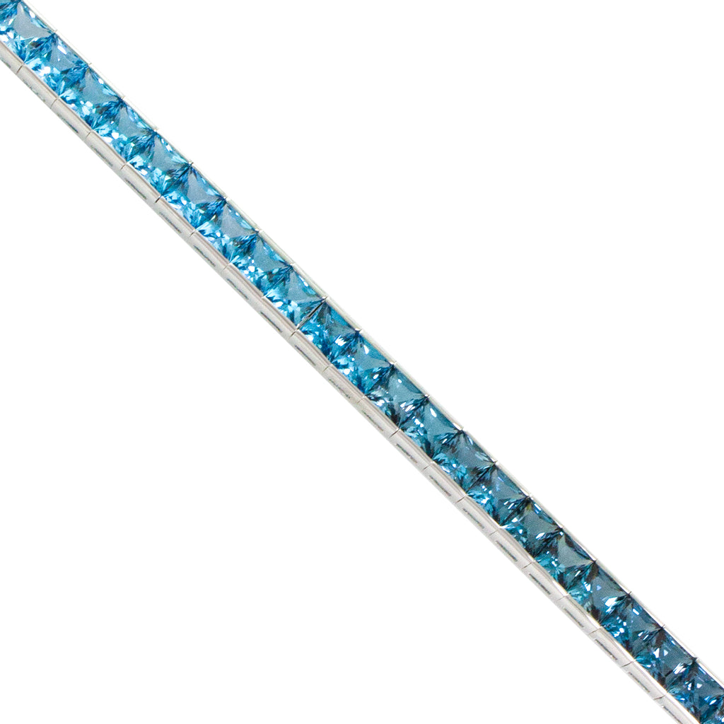 BELLARRI Eternal Love - Bracelet (White Gold / Blue Topaz)  close-up view