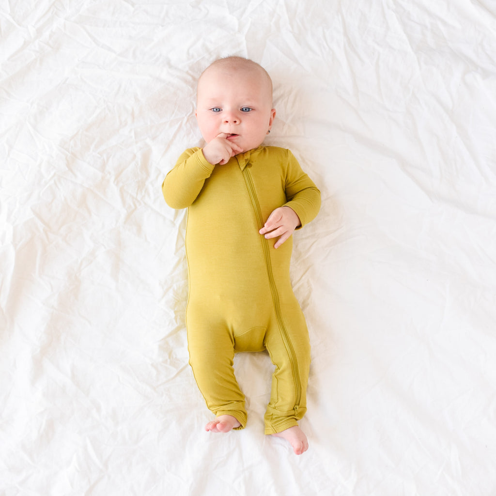 How to Soothe a Teething Baby at Night: 10 Helpful Tips
