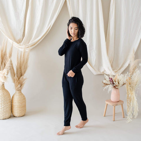 Woman modeling Jogger Set in Midnight