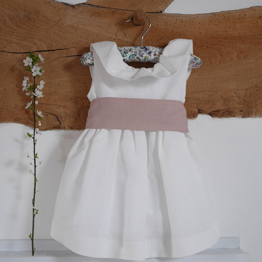 Dress with frilly
