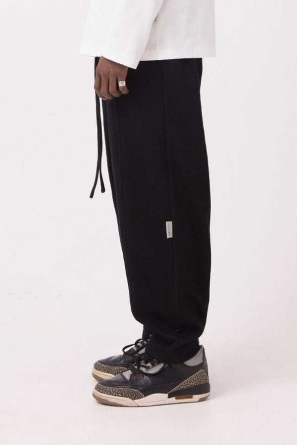 Empty Reference Knitted Straight Sweatpants