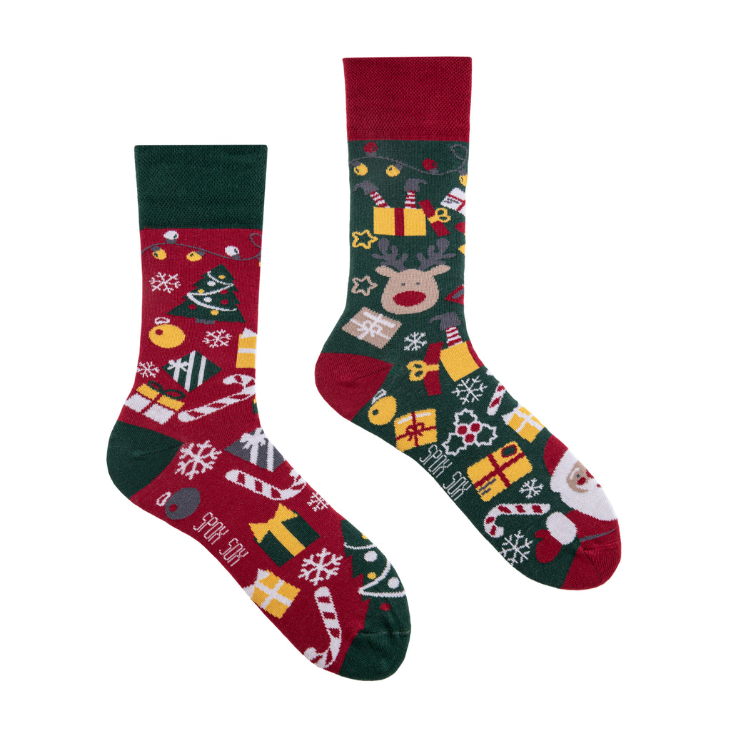 Christmas | Mismatched High Socks