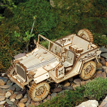 Lade das Bild in den Galerie-Viewer, Army Jeep