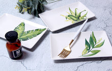 Load image into Gallery viewer, Leaf Plates - Set of 4 - the-little-details-home-accents