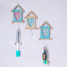 Load image into Gallery viewer, Nautical House Heart Wall Hook