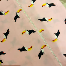 Load image into Gallery viewer, Toucans Bedsheet Set