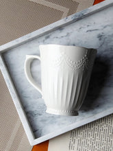 Load image into Gallery viewer, Vintage Scalloped Coffee Mug