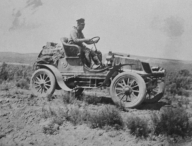 Jackson driving his Winton (the Vermont)