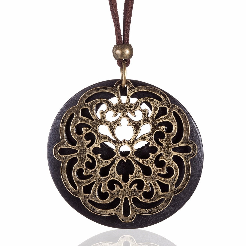 Geometric Round Metal Pendant Necklace - Omigod, Dibs!™