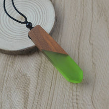 Load image into Gallery viewer, Wood Resin Pendant Necklace