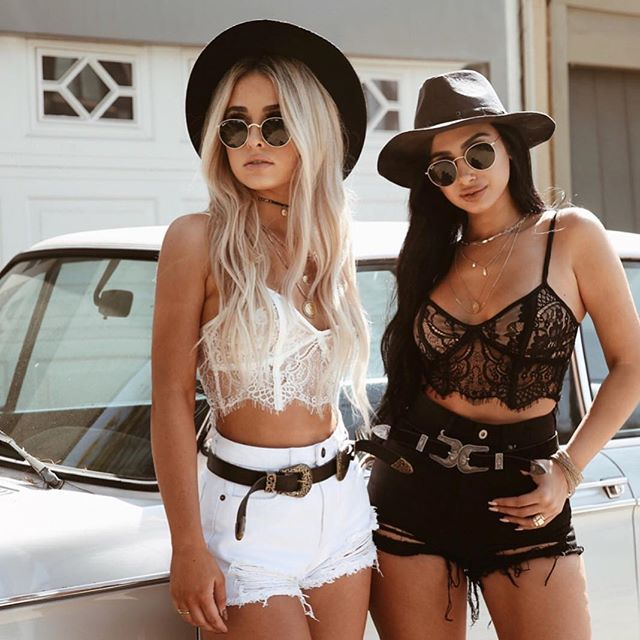 lace bustier crops