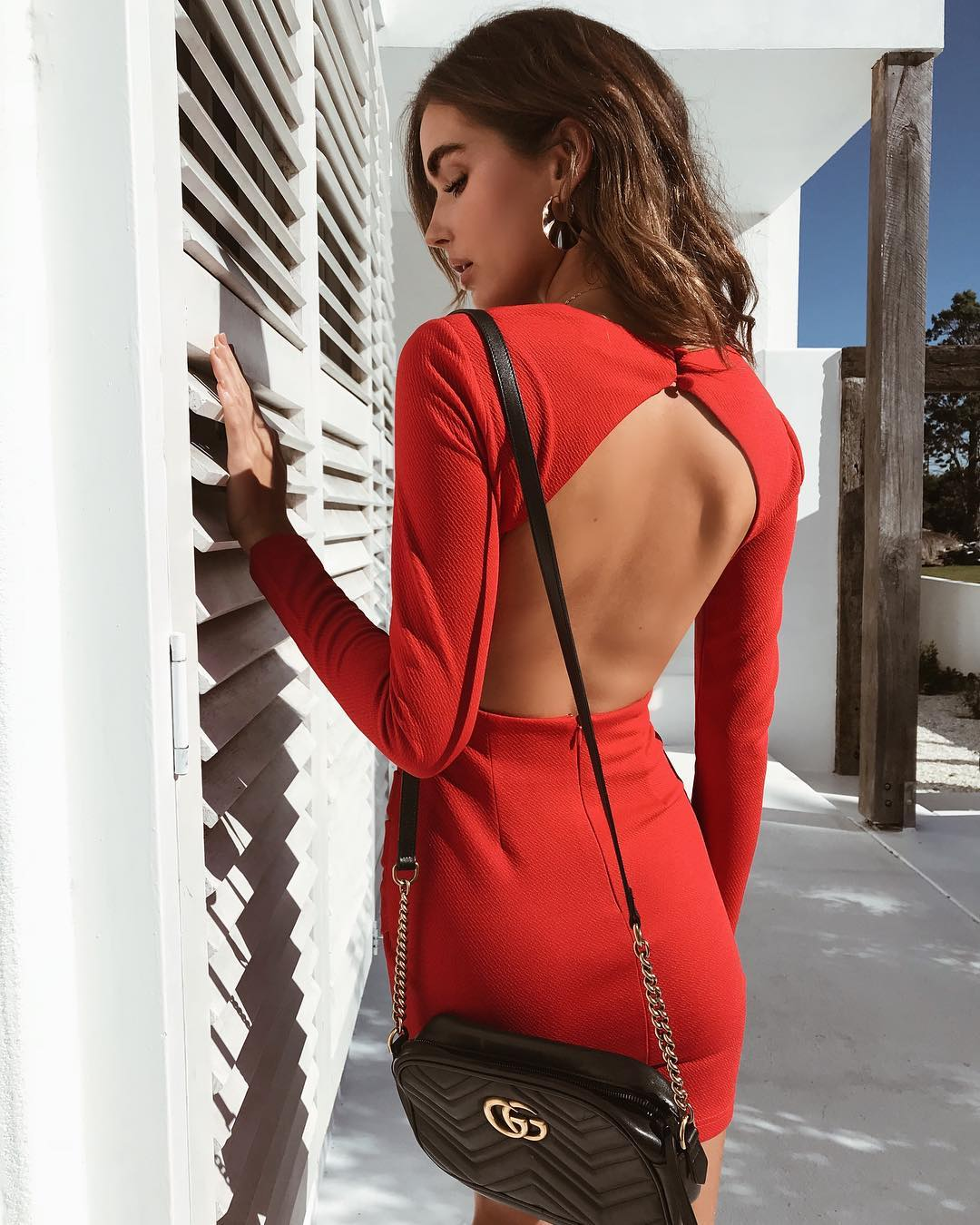red long sleeve backless dress