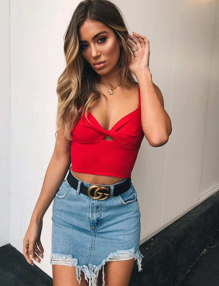 red twist front top