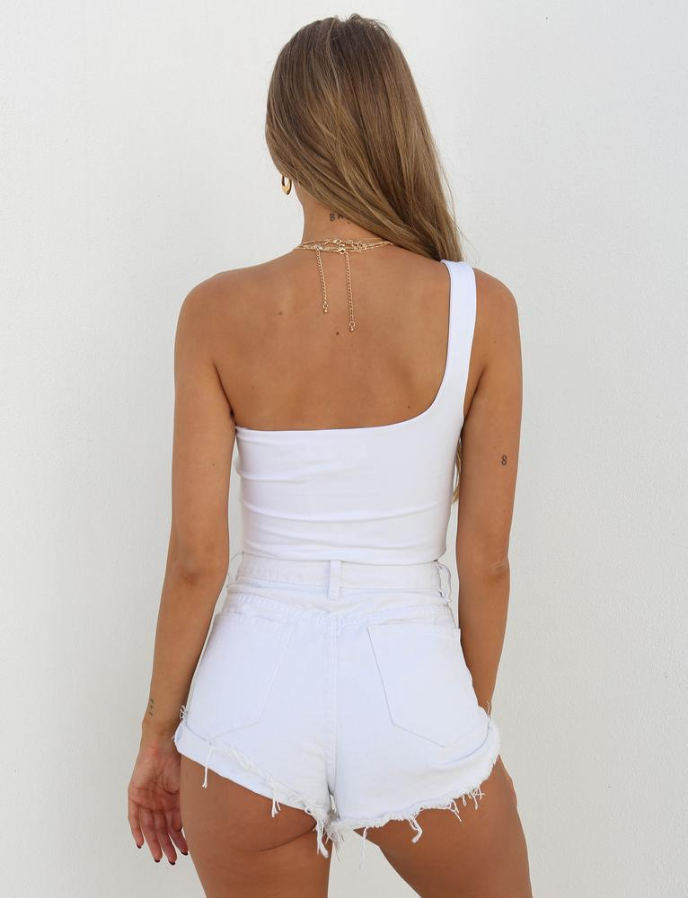 white one shoulder crop