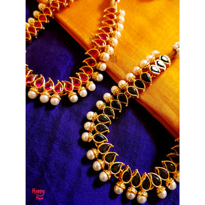 Simple Mango and Pearls Short Necklace