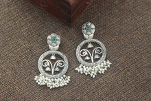 Load image into Gallery viewer, Premium Silver Look Alike Floral Design Round Earrings - Green