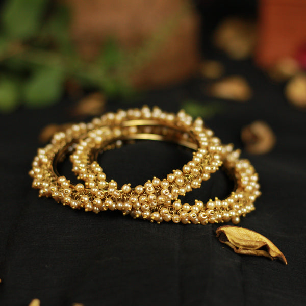 Premium Quality Antique Gold Brass Base Pearl Bunch Bangles