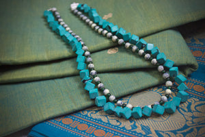 Two Layer Geometric Beaded Necklace - Green