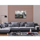 Live Art Decor - Modern Cityscape Canvas Wall Art,New York Yellow Taxi On The Brooklyn Bridge Picture Print On Canvas Painting,Framed And Ready To Hang